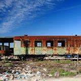Carros de trem oxidados velhos fotos de stock royalty free