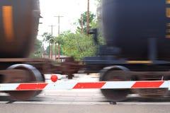 Carros de trilho que apressam-se perto Imagens de Stock Royalty Free