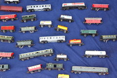 Carros del tren del juguete Imagenes de archivo