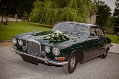 Carros do vintage para o casamento foto de stock royalty free