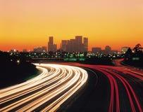 Carros e edifícios Fotos de Stock Royalty Free