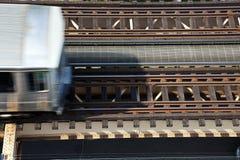 Carros elevados del tren fotos de archivo