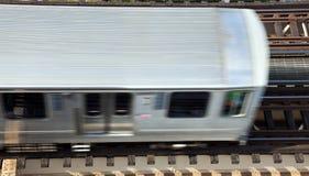 Carros elevados del tren sobre avenida del lago fotografía de archivo libre de regalías