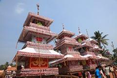 Carros en festival del templo Foto de archivo