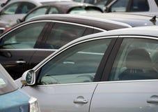 Carros estacionados Imagens de Stock Royalty Free