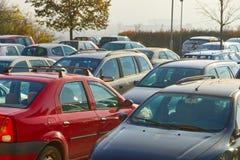 Carros estacionados dentro muito Imagem de Stock Royalty Free