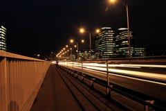 Carros moventes rápidos na noite Fotos de Stock Royalty Free