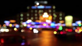 Carros na cidade da noite video estoque