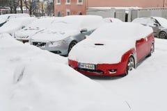 Carros na neve Imagens de Stock