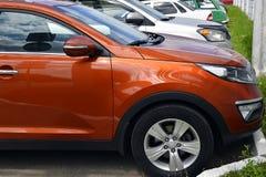 Carros no lote de estacionamento Fotografia de Stock Royalty Free