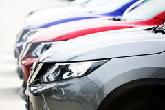 Carros no lote de estacionamento Fotografia de Stock