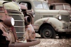 Carros oxidados fotos de stock