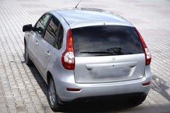 Carros para a fileira do lote do estoque da venda Inventário de concessionário automóvel imagem de stock royalty free