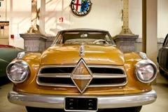 Carros retros no indicador Imagens de Stock Royalty Free