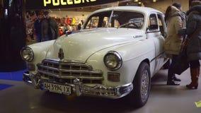 Carros retros soviéticos GAZ-12 ZIM filme