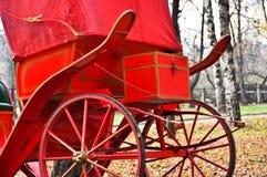 carros rojos del caballo Imagen de archivo libre de regalías