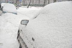 Carros sob a neve. Foto de Stock