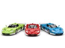 Carros super do conceito impressionante nas cores baixas do vermelho, as verdes e as azuis com detalhes brancos - vista superior ilustração stock