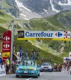 Carros técnicos em Colo du Lautaret - Tour de France 2014 Imagem de Stock Royalty Free