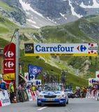 Carros técnicos em Colo du Lautaret - Tour de France 2014 Imagens de Stock