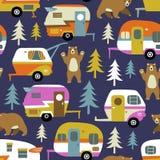 Carros, ursos e madeiras de acampamento do vintage ilustração do vetor