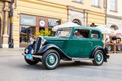 Carros velhos clássicos na reunião de carros do vintage em Krakow, Polônia Foto de Stock Royalty Free