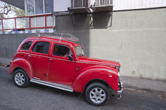 Carros velhos cubanos Fotos de Stock Royalty Free