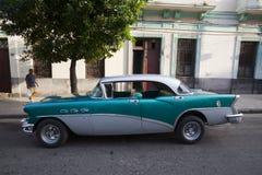 Carros velhos cubanos Imagens de Stock