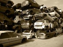 Carros velhos em uma descarga Foto de Stock Royalty Free