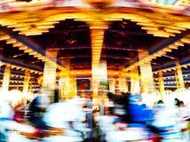 Carrossel colorido do vintage no movimento fotografia de stock royalty free