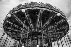Carrossel francês velho em um parque do feriado em horas de verão da noite Foto de Stock