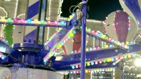 Carrossel retro iluminado na noite vídeos de arquivo