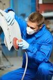 Carrosserie de polissage de mécanicien automobile Photo stock