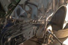 Carrosserie de voiture après l'accident en préparant l'automobile pour le pai images stock