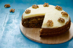 Carrot cake with walnuts Royalty Free Stock Photography