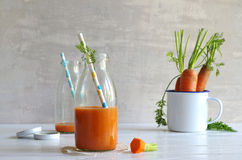 Carrot-smoothie with banana, ginger and chia seeds Royalty Free Stock Photos