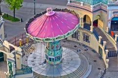 Carrousel à l'entrée du parc d'attractions de Prater à Vienne image stock
