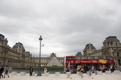 Carrousel Arc de Triomphe ή Arc de Triomphe du ιπποδρόμιο κοντά Musee du Λούβρο στο Παρίσι, Γαλλία Στοκ εικόνες με δικαίωμα ελεύθερης χρήσης