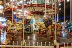 Carrousel bij Kerstmis in Cardiff Wales op 15 December, 2018 Één Niet geïdentificeerde Persoon royalty-vrije stock afbeeldingen