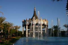 Carrousel bij Pretpark Stock Afbeelding