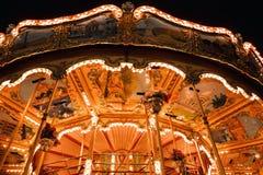 Carrousel d'Iilluminated à Paris, France photographie stock libre de droits