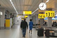 Carrousel de bagages à l'aéroport de Schiphol, Amsterdam Photographie stock libre de droits