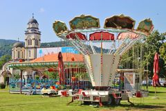 Carrousel en orthdox kerk in Banja Luka, Bosnië-Herzegovina royalty-vrije stock fotografie