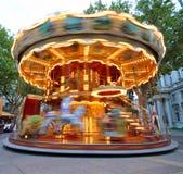 Carrousel in motie royalty-vrije stock fotografie