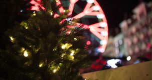 Carrousel pendant le Noël avec la décoration banque de vidéos