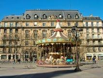 Carrousel in Place DE Hotel DE Ville in Parijs Stock Foto