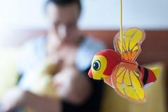 Carrousel voor babyvoederbak met een bij Stock Fotografie