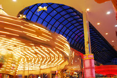 Carrousel in West-Edmonton wandelgalerij stock foto's