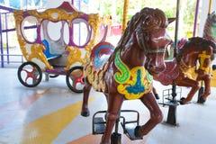 Carrouselpaarden bij het parkstad van Siam Royalty-vrije Stock Foto's