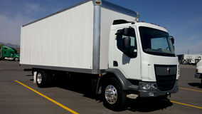 Carrozza 2016 di Kenworth sopra il camion della scatola Fotografia Stock Libera da Diritti
